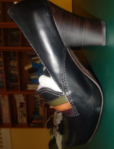 Side view (unfortunately sideWAYS as well) of the Biviel loafers.