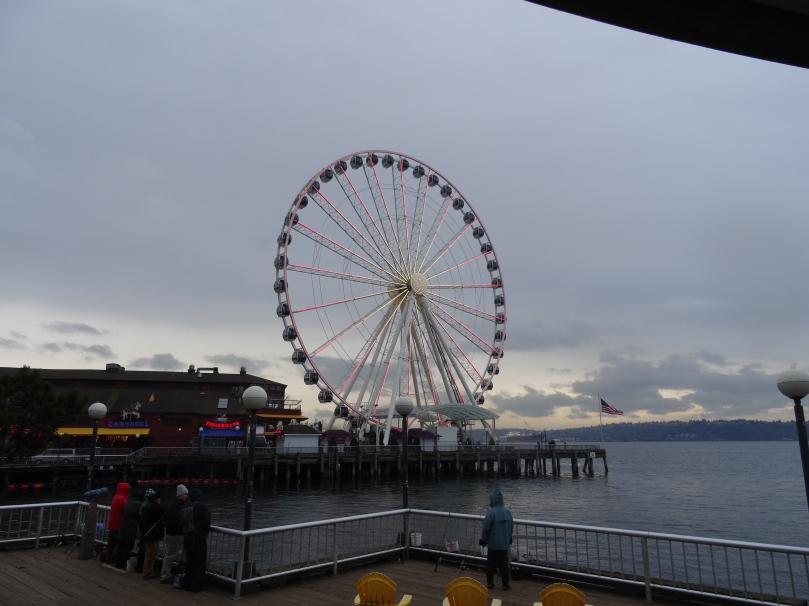 The Seattle Great Wheel from a distance.